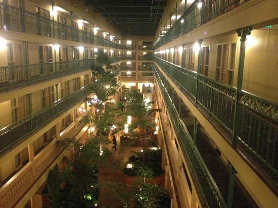 Embassy Suites by Hilton LAX South : Interior of hotel