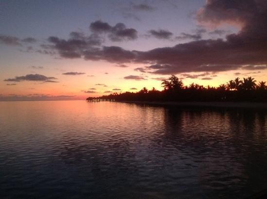 LUX* South Ari Atoll: sunset calling
