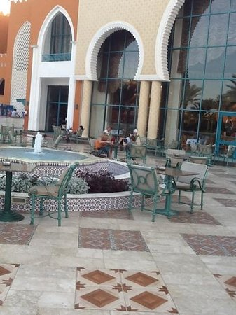 Sunrise Select Garden Beach Resort & Spa: Teraza