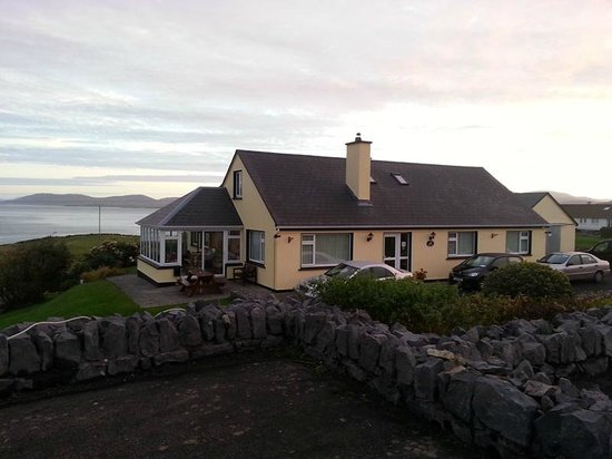 Sea Breeze Bed and Breakfast: Lovely
