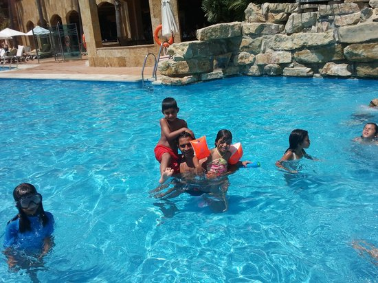 Gran Hotel Elba Estepona & Thalasso Spa: Having Fun At The Pool