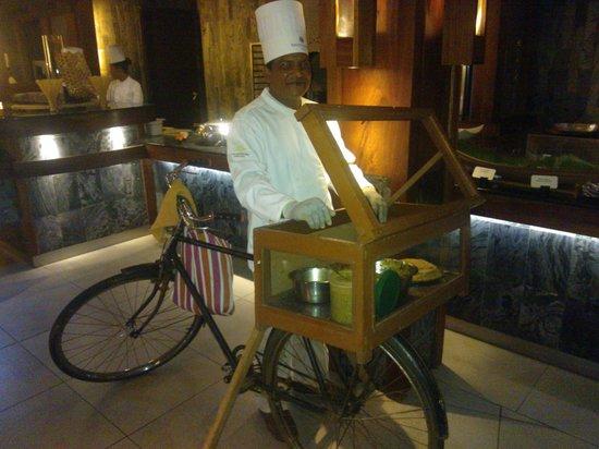Trou aux Biches Beachcomber Golf Resort & Spa: Cena Buffet cocina regional