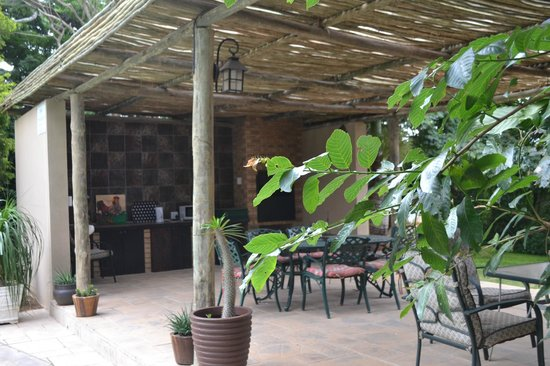 Gateway Country Lodge: Lapa area for braai