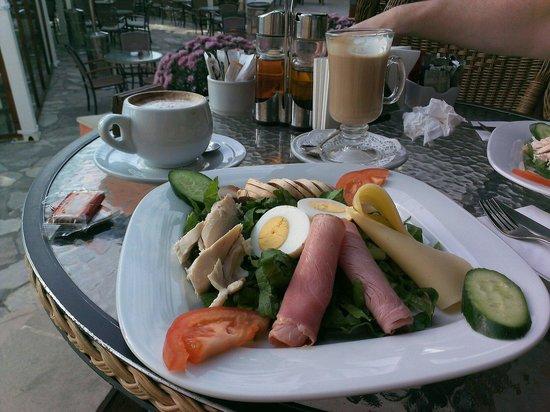 La Place Royale: Chef's salad