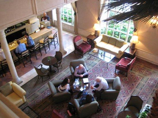 Hyatt Regency Coral Gables: Loby visto do mezzanino