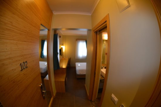 Hotel Istankoy Bodrum: Entrance of Room 102