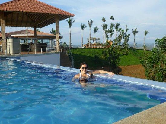 Hillary Nature Resort & Spa: Piscina