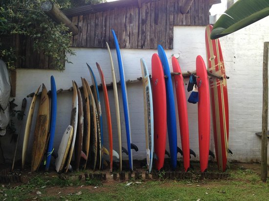 Secret Spot International Backpackers and Surf Camp: Boards out back