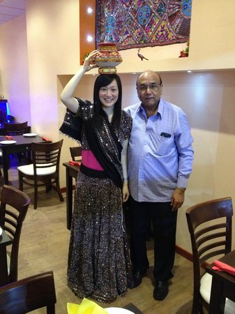 Sanskruti Restaurant : The manager and me in the costume