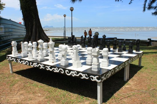 Damai Beach Resort : Beach Chess