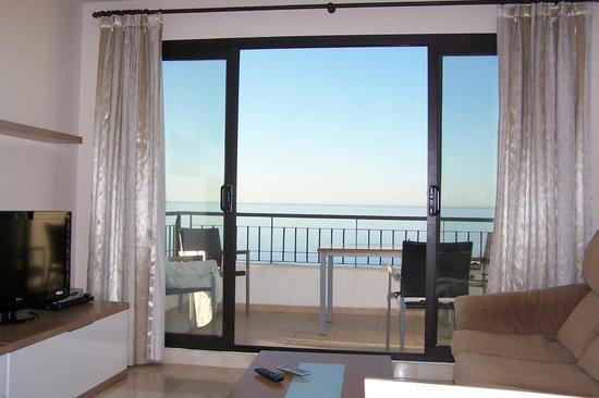 Apartamentos Fuerte Calaceite: Blick vom Wohnzimmer auf das Meer