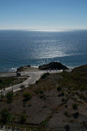 Apartamentos Fuerte Calaceite: Vom Balkon auf die Landstrasse und Meer