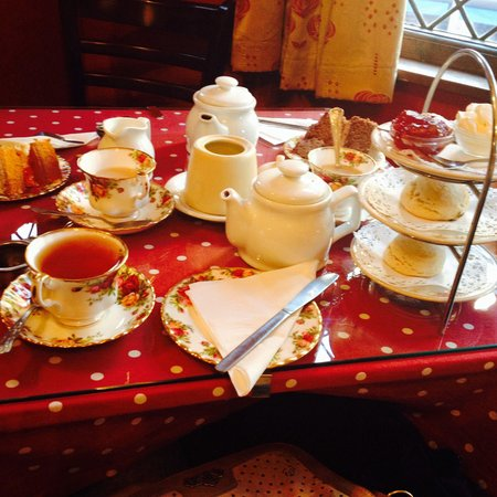 The Moat Tea Rooms: Lovely afternoon tea