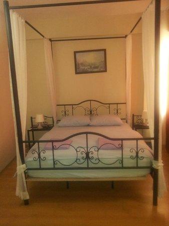 Starlet hostel: Beds