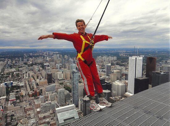 Edge Walk at the CN Tower : EdgeWalk CN Tower