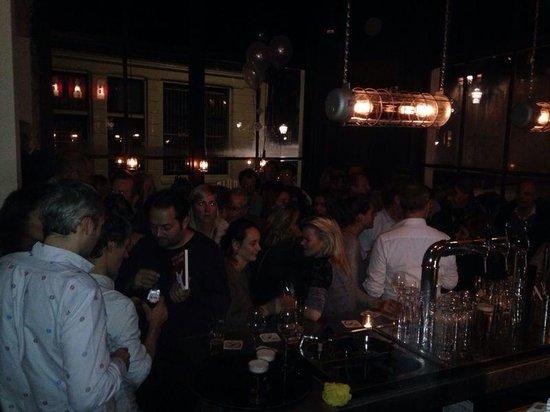 Louis: Great bar!