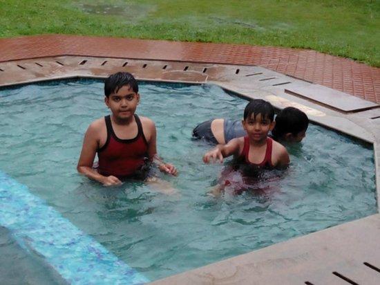 Silver Crest: safe pool