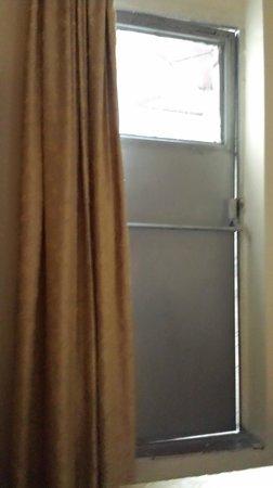 Meddusa Hotel : pessima stanza 3
