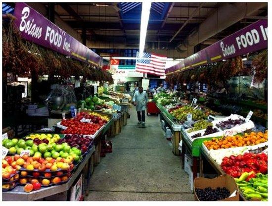 Arthur Avenue Retail Market: Retail Market