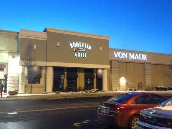 Bonefish Grill : Front of restaurant