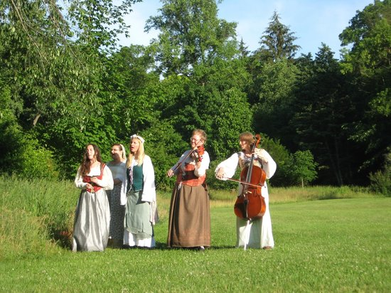 Matthaei Botanical Gardens: Shakespear in the Arb every June