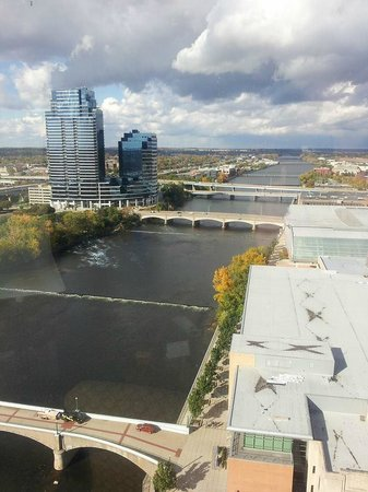 Amway Grand Plaza, Curio Collection by Hilton: Grand River- view from room