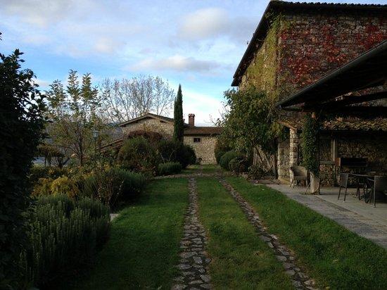 Borgo Corsignano: a passeggio per il Borgo