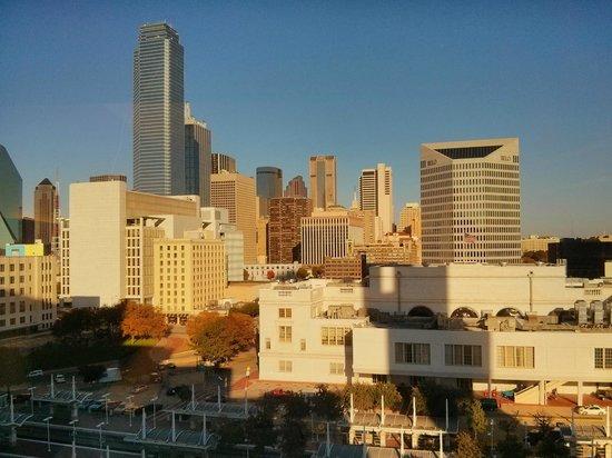 Hyatt Regency Dallas: Downtown view from room.