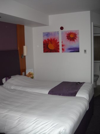 Premier Inn Leicester City Centre Hotel: The big beds