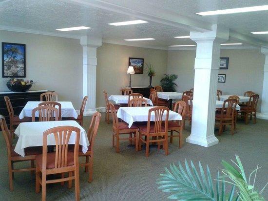 Road Creek Inn: Breakfast