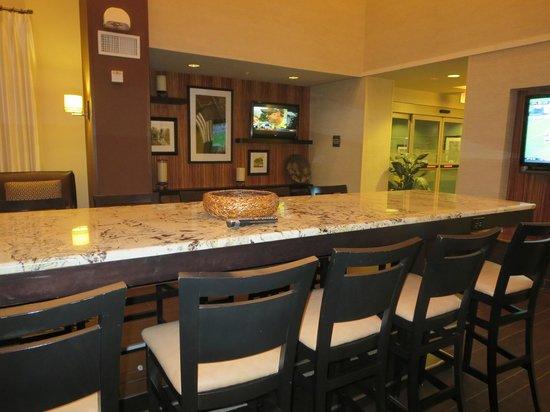 Hampton Inn and Suites Flint / Grand Blanc: Breakfast area