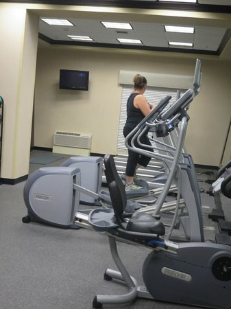 Hampton Inn and Suites Flint / Grand Blanc: Workout room