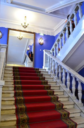 Perm Opera and Ballet House named after Tchaikovsky: Лестница в театре