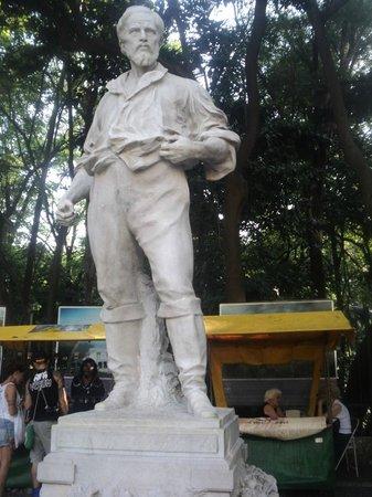 Tenente Siqueira Campos Park (Trianon): Tenente Siqueira Campos (Estátua em frente ao Parque Trianon)