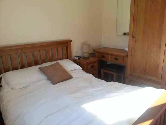 Barker Stakes Farm: Double bedroom