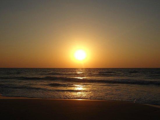 Haifa Port: เทียวทะเลในยามพระอาทิตย์ตกดิน