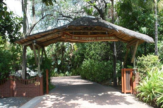 Kaia Tani Guesthouse: l'ingresso