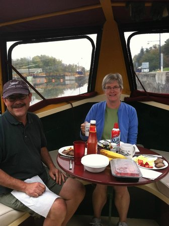 Mid-Lakes Navigation : Breakfast on a Lockmaster Canal Boat!