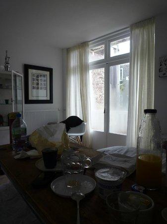 Sjudoransj: breakfast in bed