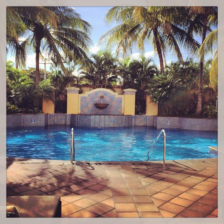 InterContinental Real Managua at Metrocentro Mall: Pool area