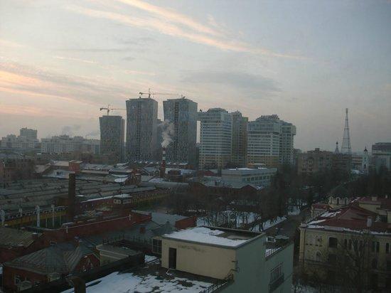 Akademicheskaya Hotel: Вид на трамвайное депо