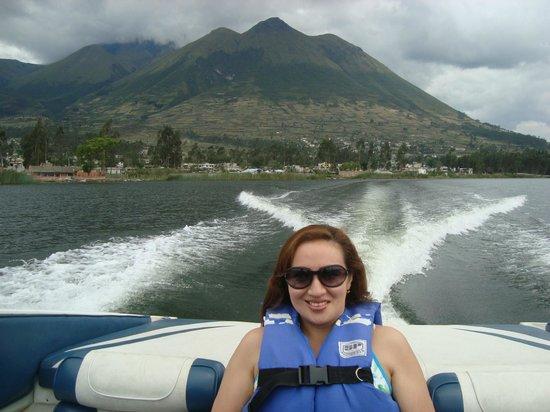 Hosteria Cabanas del Lago: Paseo en bote