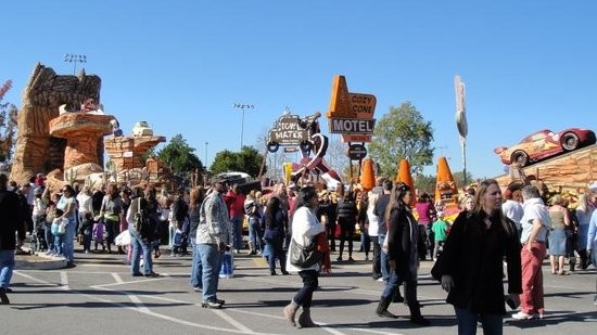 Tournament of Roses Association: Post-Rose Parade Showcase of Floats