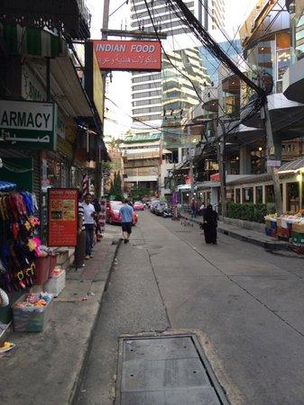 BelAire Bangkok: Surrounding Area Street
