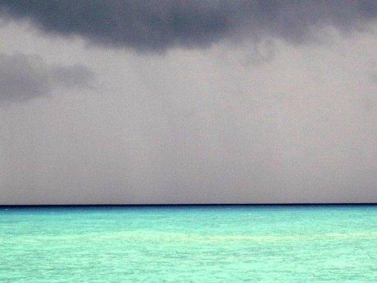 Grand Park Royal Cozumel: Storm coming