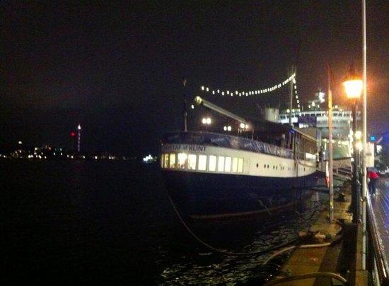 Gustav Af Klint Hotel/Hostel: Gustaf af Klint Boat