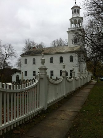 Old First Congregational Church : One approach to the church.