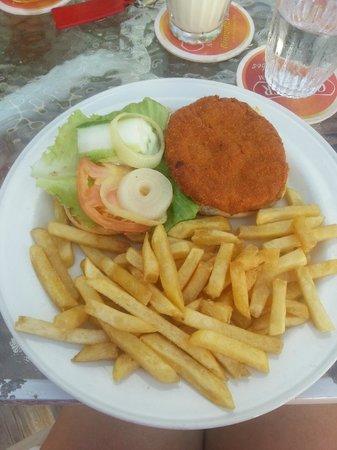 OJ's Bar & Restaurant: Chicken Pattie & Chips