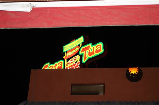 Casa Tua Pizzeria : letreiro