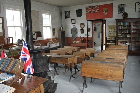 Camrose, Canada: Likness one room school house